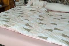 Manželská posteľ 200 x 200 cm